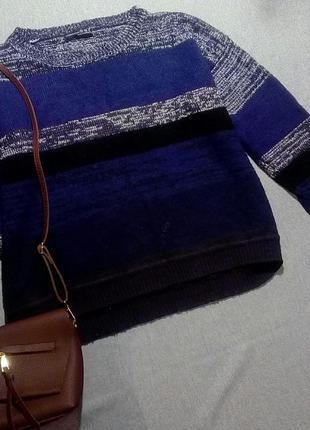 Модный свитер с полосами меланжа