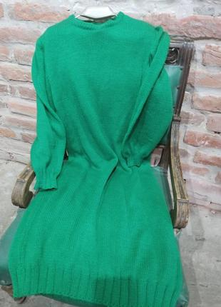 Обьемное вязаное платье миди