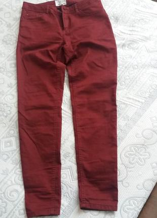Бордовые джинсы скини
