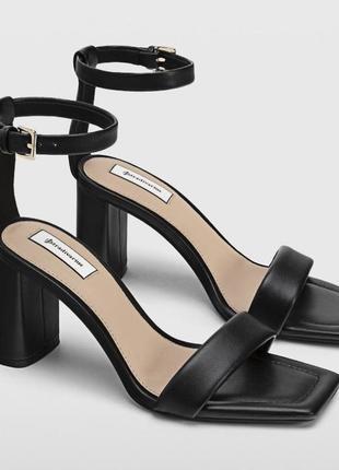 Босоножки на каблуке stradivarius оригинал чёрные под кожу