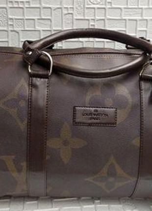 Вместительная бренд сумка