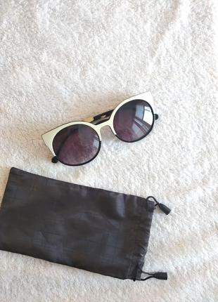 Черные молочные солнцезащитные очки кошки стиль тренд 2021 ретро кошечки cat eye лисички