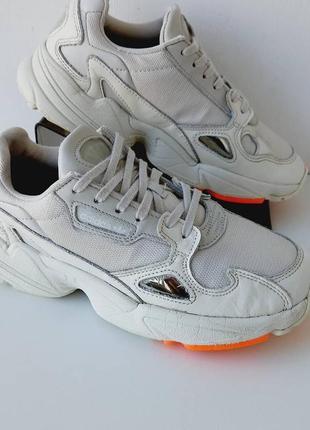 Женские кроссовки adidas/жіночі красовки адідас
