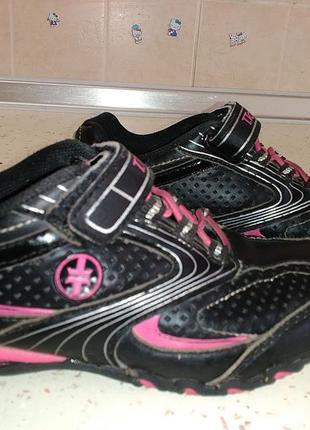 Осенне-весенние кроссовки из кожзама для девочки 29 размер