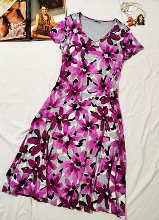 Красивое трикотажное платье в крупные цветы per una