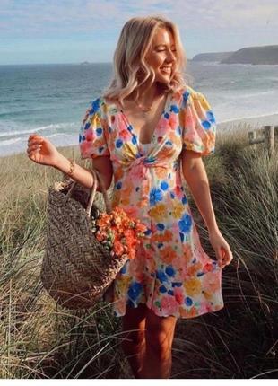 Платье zara с принтом красивых цветов