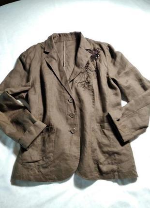 Классный коричневый льняной пиджак с карманами. италия.