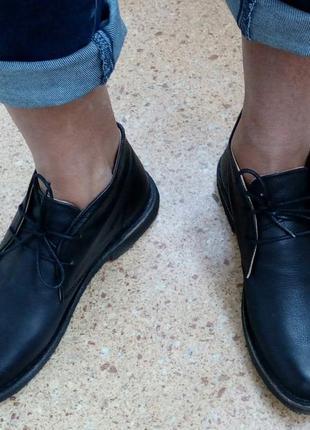 Стильные фирменные кожанные ботинки kickers.