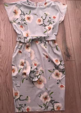 Літнє плаття в квіти