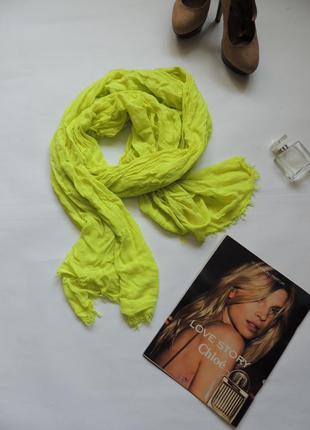 Очень яркий шарф