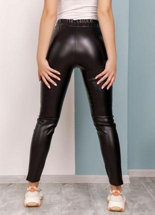 Арт: 12456_черный черные кожаные брюки с лампасами