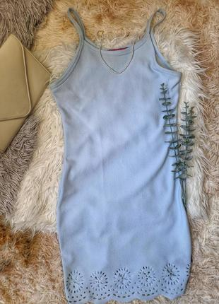 Сукня із оздобленням в низу світло-блакитна s