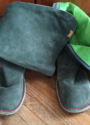 Стильні замшеві чобітки