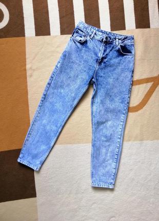 Летние светлые джинсы мом topshop