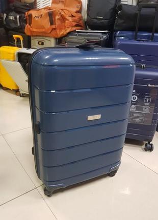 Средний / большой чемодан travelite (германия) выносливый