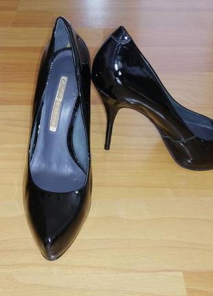 Оригінальні, шкіряні, лакові, чорні класичні туфлі buffalo london 40 розміру, madeinbrazil