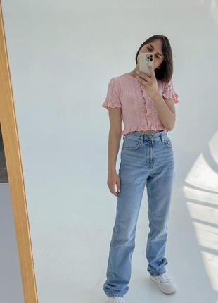 Голубые джинсы прямого кроя клеш
