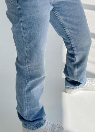 Голубые джинсы прямого кроя клеш2 фото