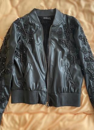 Курточка,куплена в італії.,стрази сваровских,дуже гарна!