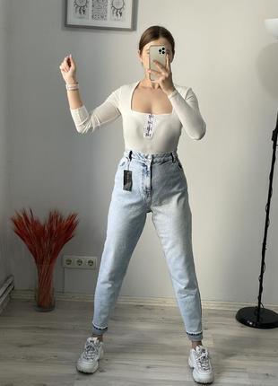 Крутые джинсы mom new look