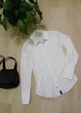 Базовая белоснежная рубашка на пуговицах zara