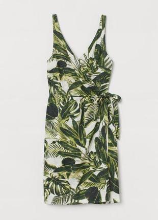 Платье в тропический принт на запах от h&m.