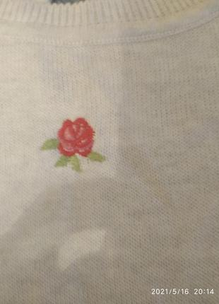 Нежный свитер в розах5 фото