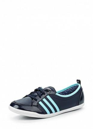 Кроссовки легкие принимают форму стопы 24-24.5 см