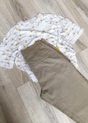 Актуальные универсальные штаны брюки джинсы цвета хаки олива фисташкового reserved