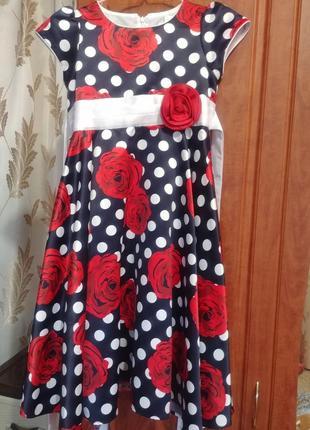 Нарядное платье для девочки 6-8 лет.