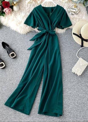 Комбинезон с короткими рукавами и длинными штанами