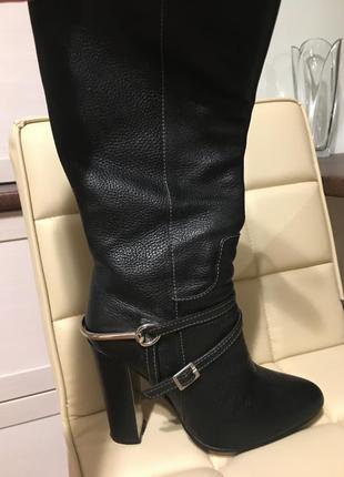 Стильні шкіряні чобітки 37р