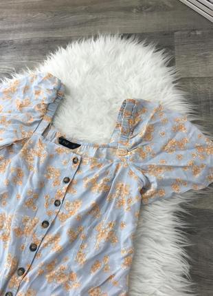 Крутая блуза из вискозы с актуальным вырезом от f&f