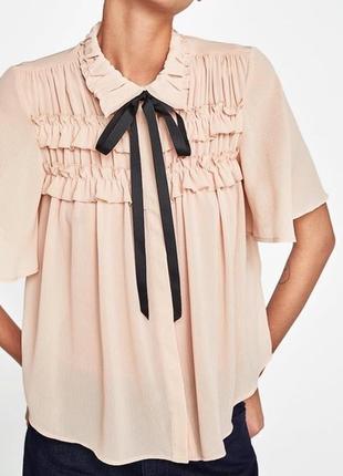 Шикарная блуза с рюшами и завязкой zara