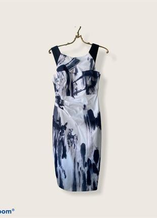 Платье-футляр в офис строгое платье