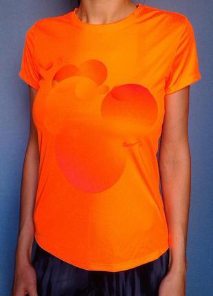 Женская футболка nike оригинал.