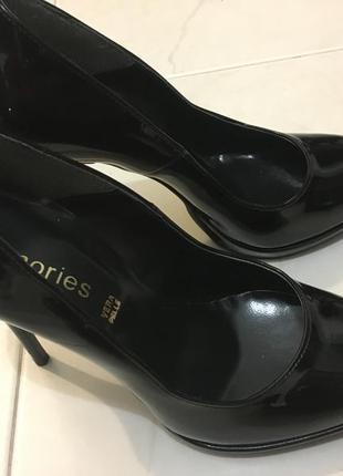 Лак-кожа , новые итальянские туфли , 38 размер