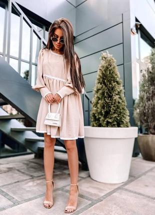 Платье свободного кроя с легким кружевом