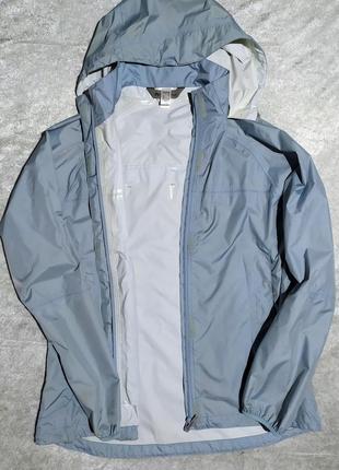 Куртка quechua дождевик (можно сложить в карман и повесить на пояс)