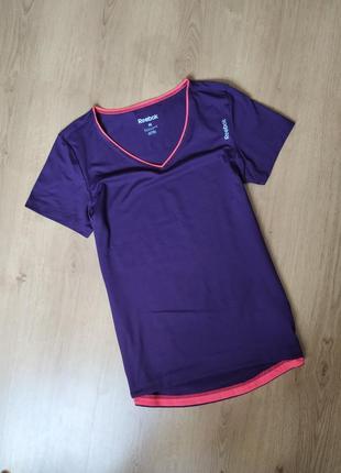 Спортивная футболка от reebok