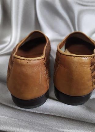 Интересные кожаные туфли, лоферы от andrea puccini5 фото