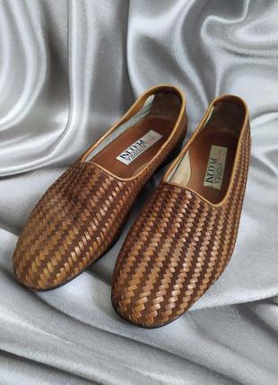 Интересные кожаные туфли, лоферы от andrea puccini