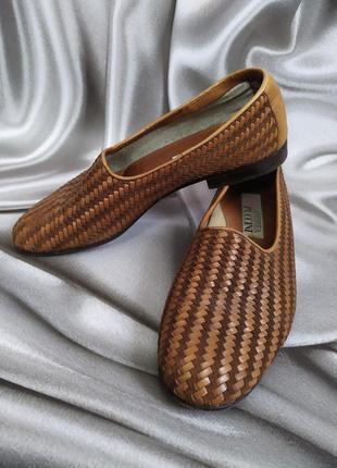 Интересные кожаные туфли, лоферы от andrea puccini7 фото