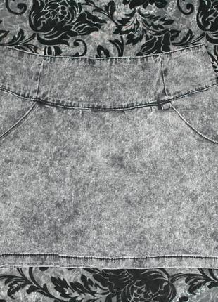 Узкая джинсовая мини-юбка