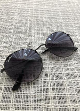 Солнцезащитные очки чёрные rayban