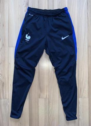 Футбольні штани nike оригінал розмір s ріст 155-165 см. як нові!