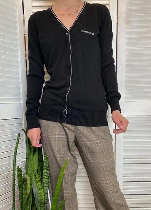 Шикарный кардиган чёрного цвета на пуговичках спортивного бренда reebok