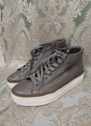 Серые высокие кроссовки/кеды из мягчайшей кожи на платформе vera in pelle