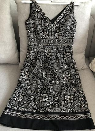 Платье миди невероятно красивая вышивка