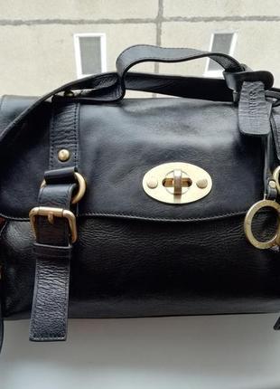 Кожаная брендовая сумка в идеальном состоянии